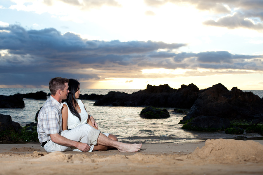 Joanne + David :: ENGAGED :: Kama'ole Beach, Maui