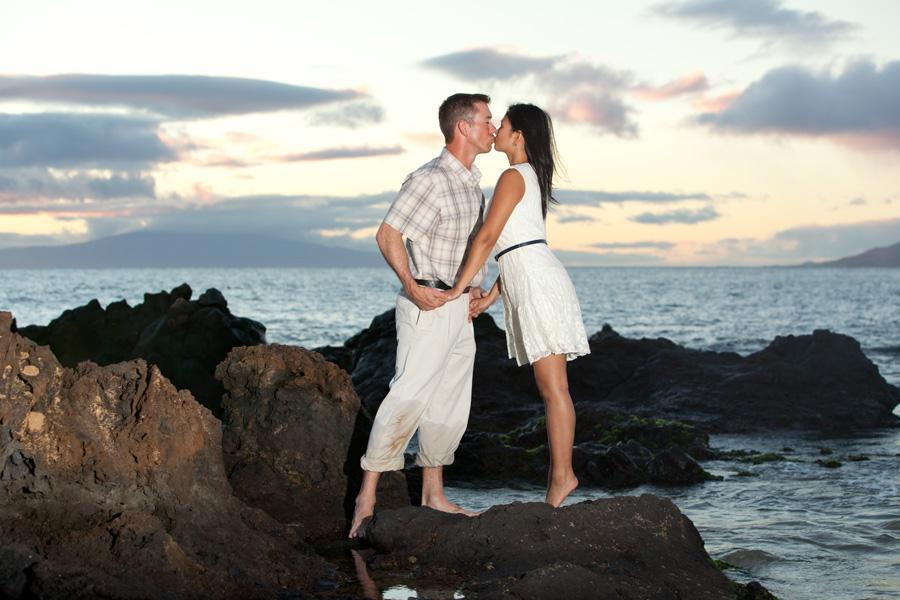 Joanne + David :: ENGAGED :: Kama'ole Beach, Maui