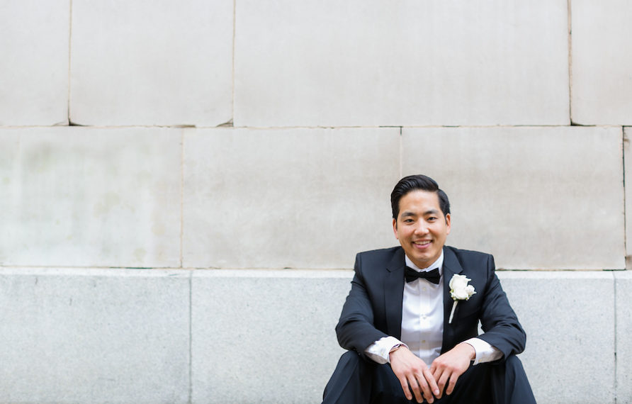 10-millennium-biltmore-wedding-by-chris-of-lin-jirsa_groom-portrait-892x594