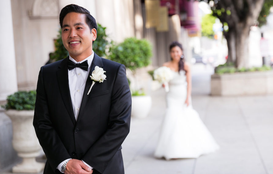 11-millennium-biltmore-wedding-by-chris-of-lin-jirsa_first-look-892x594