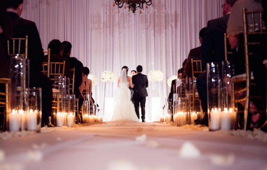 19-millennium-biltmore-wedding-by-chris-of-lin-jirsa_ceremony-2-892x594