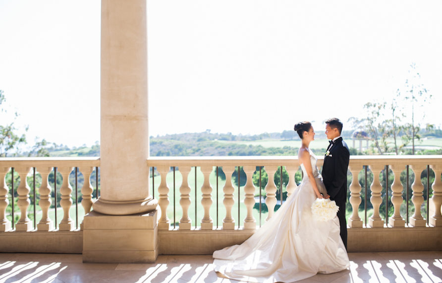 6-pelican-hill-wedding-by-kim-le-photography-couples-portrait-3-892x594